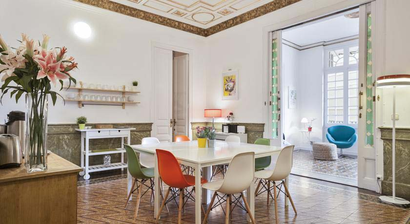 Plaza-Catalunya-Guest-House-apart