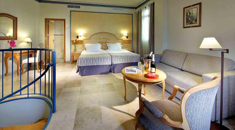 Eurostars_Regina_Bedroom-delux