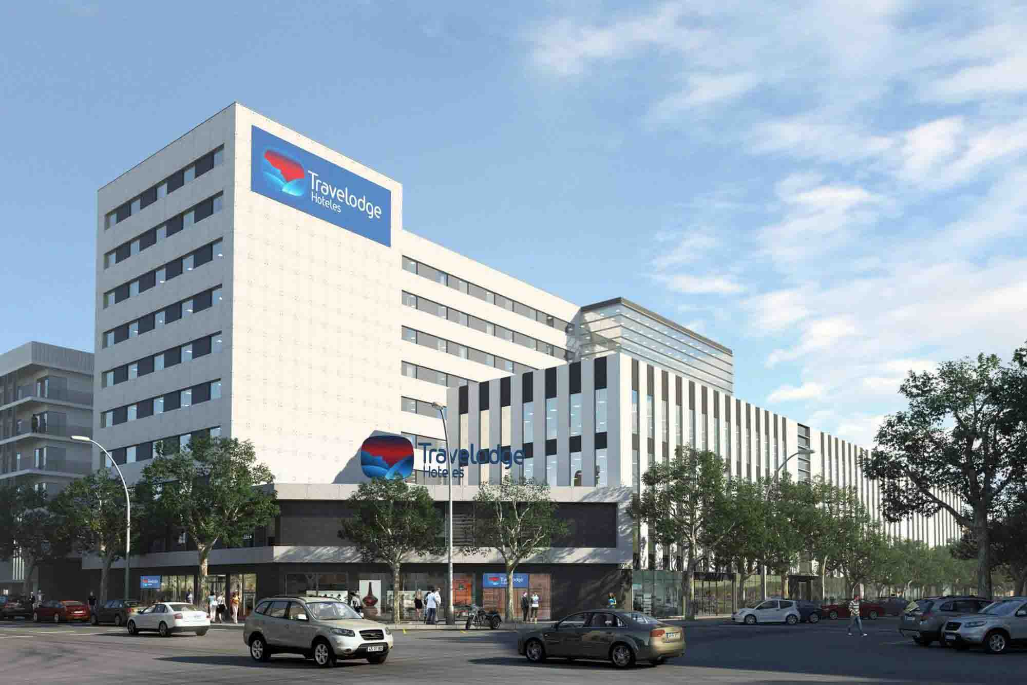 travelodge-barcelona-poblenou-front
