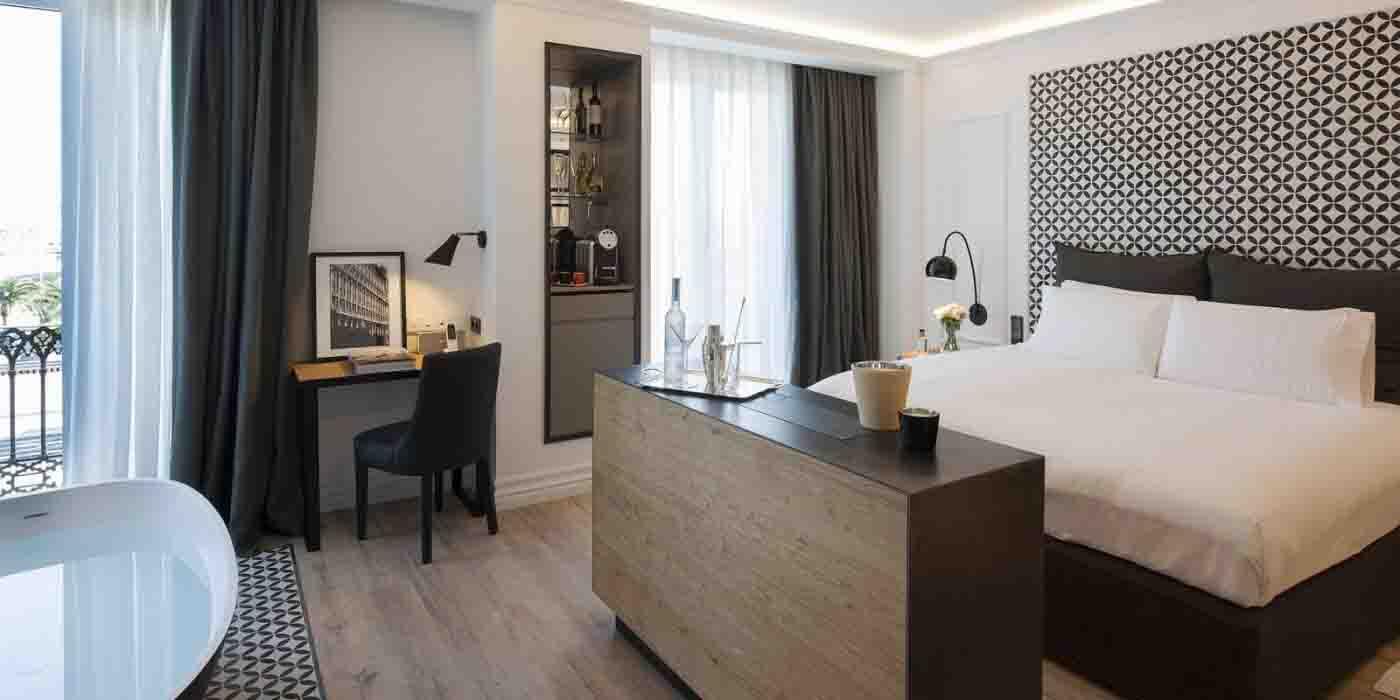 bedroom_in_serras_hotel_delux